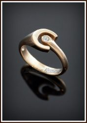 Arany nyitott köves patkó gyűrű / briliánssal is rendelhető