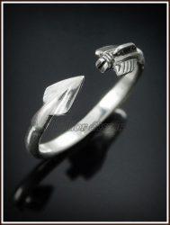 Ezüst nyílvessző gyűrű