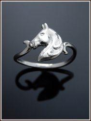 Arany lófej gyűrű