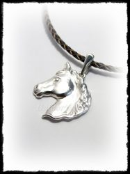 Ezüst domborított ló fej medál