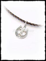 Anjou liliomos patkó medál aranyból vagy ezüstből