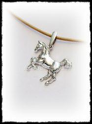 Ló medál aranyból vagy ezüstből