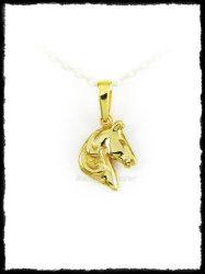 Arany lófej medál