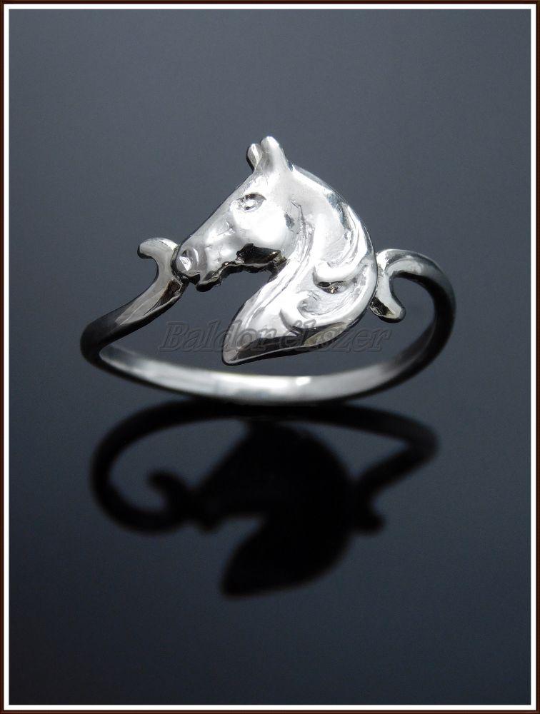 Ezüst lófej gyűrű
